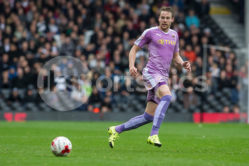 Chris Gunter of Reading during the Sky Bet Championship match between Fulham and Reading at Craven Cottage, London, England on 24 October 2015. Photo by Salvio Calabrese.
