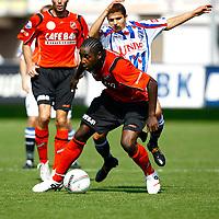 Fotball<br /> Nederland<br /> Foto: ProShots/Digitalsport<br /> NORWAY ONLY<br /> <br /> fc volendam - sc heerenveen, 31-08-2008 eredivisie seizoen 2008-2009, kelvin maynard met tarik elyounoussi