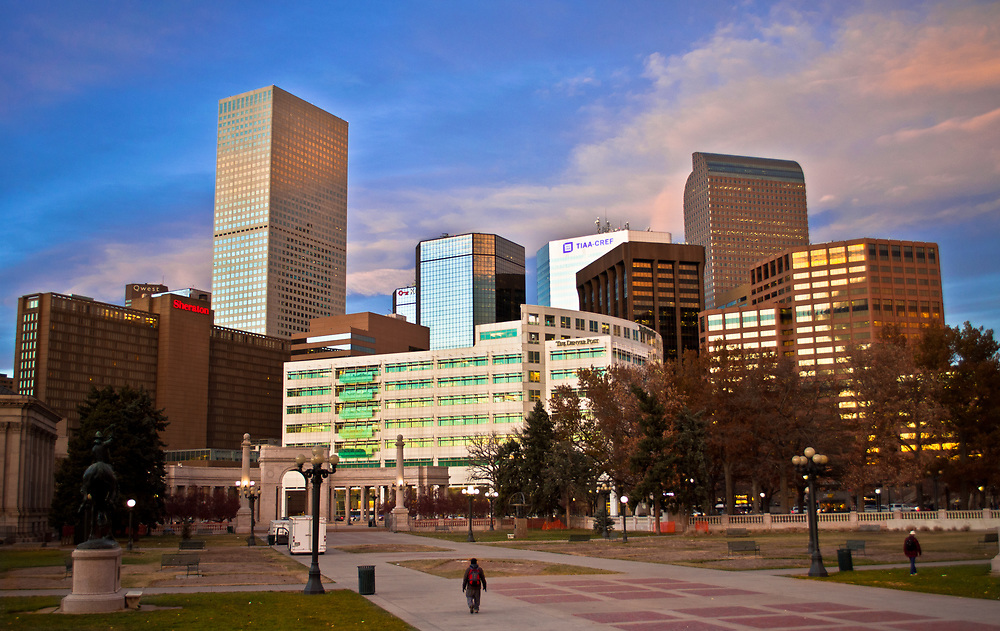 This picture shows the Denver skyscrapers from Civic Center Park.<br />
