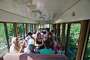 Standseilbahn, Weißer Hirsch, Loschwitz, Dresden, Sachsen, Deutschland.|.funicular railway, Weißer Hirsch, Loschwitz, Dresden, Germany