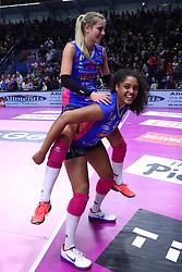 28-04-2017 ITA: Pomi Casalmaggiore - Igor Gorgonzola Novara, Cremona<br /> Semi Final playoff / Celeste Plak #4, Laura Dijkema #14<br /> <br /> ***NETHERLANDS ONLY***
