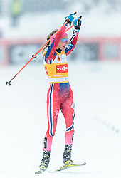21.02.2016, Salpausselkae Stadion, Lahti, FIN, FIS Weltcup Langlauf, Lahti, Damen Skiathlon, im Bild Therese Johaug (NOR) // Therese Johaug of Norway celebrates during Ladies Skiathlon FIS Cross Country World Cup, Lahti Ski Games at the Salpausselkae Stadium in Lahti, Finland on 2016/02/21. EXPA Pictures © 2016, PhotoCredit: EXPA/ JFK