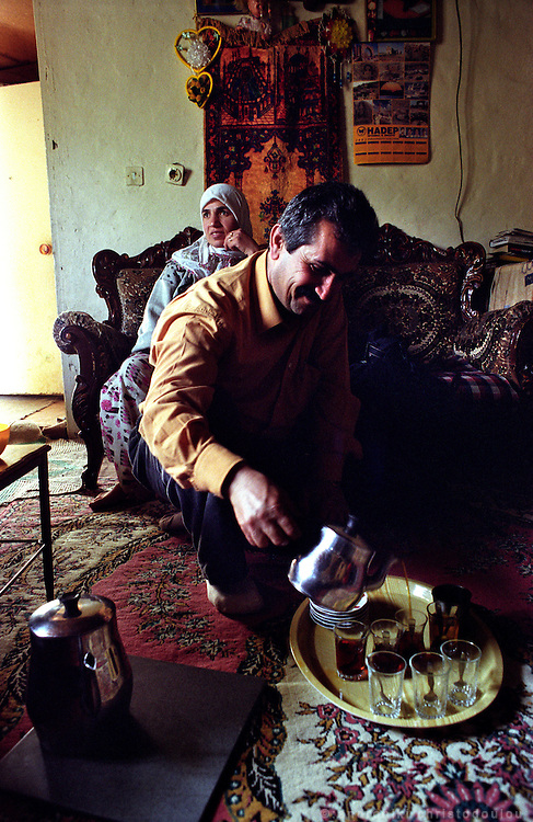 """In the area """"Gazi"""" on the edge of the city, there is a large Kurdish population that lives in very poor conditions..ISTANBUL, Androniki Christodoulou/WorldPictureNews"""