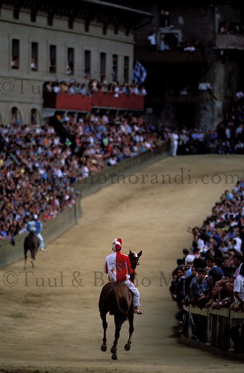 Italie - Toscane - Sienne - Course de chevaux du Palio // Italy. Tuscany. Sienna. Palio festival.