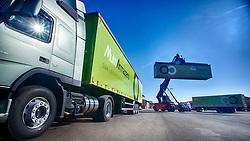 Caminhões com containers no pátio da empresa Multi Armazéns, em Novo Hamburgo. FOTO: Jefferson Bernardes/Preview.com