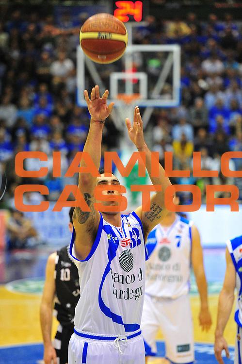 DESCRIZIONE : Sassari Lega A 2012-13 Dinamo Sassari - Juve Caserta<br /> GIOCATORE :Drew Gordon<br /> CATEGORIA :Tiro libero<br /> SQUADRA : Dinamo Sassari<br /> EVENTO : Campionato Lega A 2012-2013 <br /> GARA : Dinamo Sassari - Juve Caserta<br /> DATA : 28/04/2013<br /> SPORT : Pallacanestro <br /> AUTORE : Agenzia Ciamillo-Castoria/M.Turrini<br /> Galleria : Lega Basket A 2012-2013  <br /> Fotonotizia : Sassari Lega A 2012-13 Dinamo Sassari - Juve Caserta<br /> Predefinita :