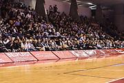 DESCRIZIONE : Reggio Emilia LegaBasket Serie A 2015-2016 Grissin Bon Reggio Emilia - Acqua Vitasnella Cantu'<br /> GIOCATORE : Tifosi Pubblico Spettatori<br /> CATEGORIA : Tifosi Pubblico Spettatori<br /> SQUADRA : Grissin Bon Reggio Emilia<br /> EVENTO : LegaBasket Serie A 2015-2016<br /> GARA : Grissin Bon Reggio Emilia - Acqua Vitasnella Cantu'<br /> DATA : 17/10/2015<br /> SPORT : Pallacanestro<br /> AUTORE : Agenzia Ciamillo-Castoria/GiulioCiamillo