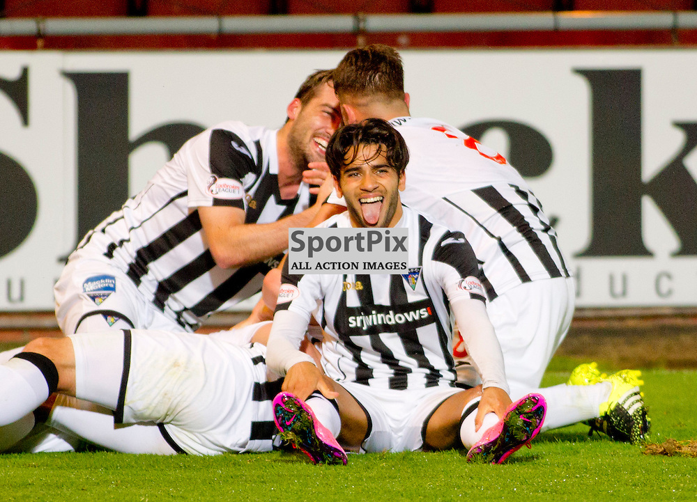 Dunfermline Athletic v Dundee Scottish League cup East End Park 25 August 2015<br /> Faissal El Bahktaoui joins in with Joe Cardles second goal celebrations<br /> CRAIG BROWN | sportPix.org.uk