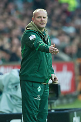 27.11.2011, Weser Stadion, Bremen, GER, 1.FBL, Werder Bremen vs VFB Stuttgart, im BildThomas Schaaf (Trainer Werder Bremen). // during the Match GER, 1.FBL, Werder Bremen vs VFB Stuttgart, Weser Stadion, Bremen, Germany, on 2011/11/27.EXPA Pictures © 2011, PhotoCredit: EXPA/ nph/ Kokenge..***** ATTENTION - OUT OF GER, CRO *****