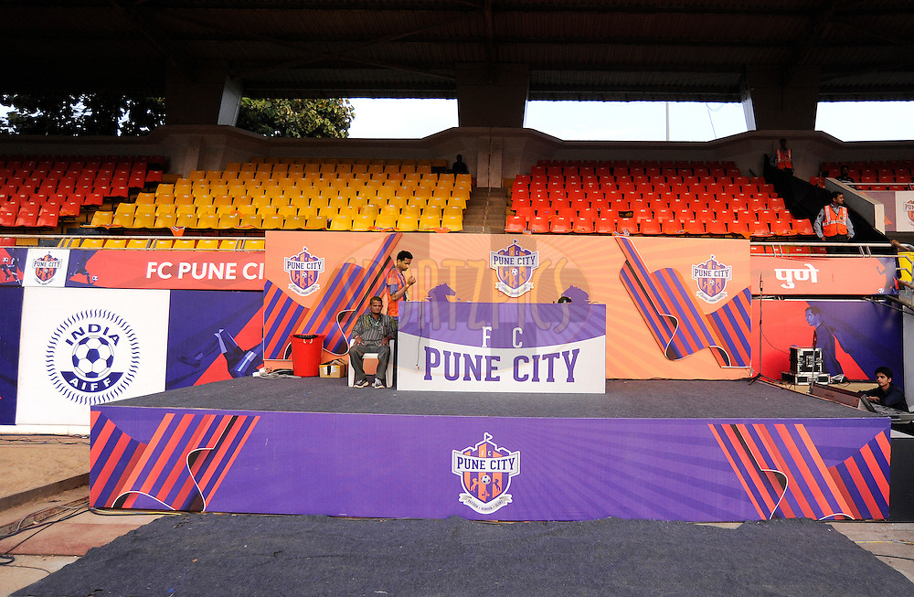 Pune FC Dj podium during match 33 of the Indian Super League (ISL) season 2  between FC Pune City and FC Goa held at the Shree Shiv Chhatrapati Sports Complex Stadium, Pune, India on the 8th November 2015.<br /> <br /> Photo by Pal Pillai / ISL/ SPORTZPICS