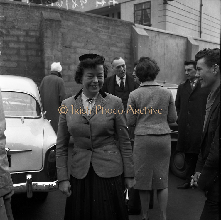 17/02/1961 <br /> 02/17/1961<br /> 17 February 1961<br /> Producer Joan Littlewood at the District Court, Dublin, attending the case of writer Brendan Behan after he had been charged with drunk and disorderly conduct.