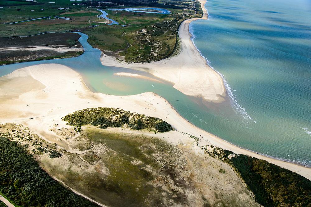 Nederland, Zeeland, Zeeuws-Vlaanderen, 19-10-2014; Het Zwin, oorspronkelijk zeearm, nu een strandgeul omgeven door schorren.<br /> The Zwin, originally estuary, now a beach gully surrounded by marshes.<br /> luchtfoto (toeslag op standard tarieven);<br /> aerial photo (additional fee required);<br /> copyright foto/photo Siebe Swart