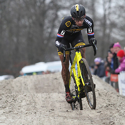 14-01-2018: Wielrennen: NK Veldrijden: Surhuisterveen: Lars van der Haar