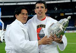 27-04-2008 VOETBAL: KNVB BEKERFINALE FEYENOORD - RODA JC: ROTTERDAM <br /> Feyenoord wint de KNVB beker - Roy Makaay en Michael Mols<br /> ©2008-WWW.FOTOHOOGENDOORN.NL