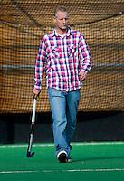 BILTHOVEN - Bart van Gaalen, assistent coach van SCHC , zondag tijdens de hoofdklasse competitiewedstrijd tussen de vrouwen van SCHC en MOP (5-0). COPYRIGHT KOEN SUYK