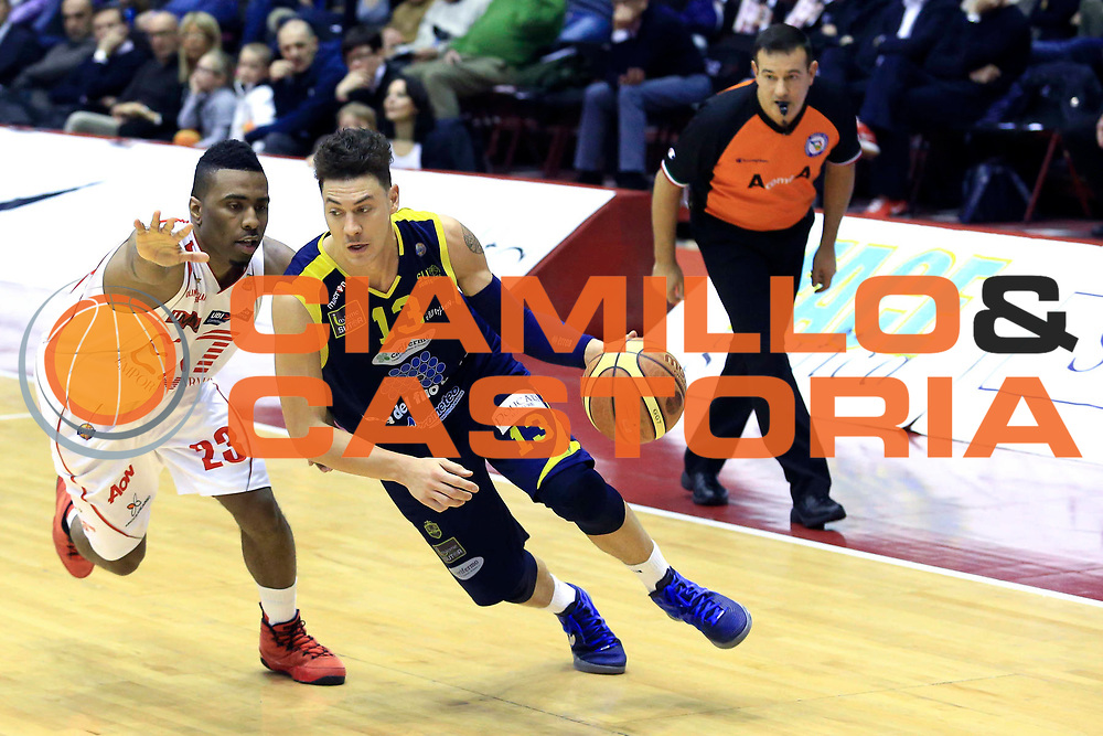 DESCRIZIONE : Milano Campionato Beko Lega A 2012-2013 EA7 Emporio Armani Milano  Sutor Montegranaro<br /> GIOCATORE : Fabio Di Bella<br /> CATEGORIA : palleggio penetrazione<br /> SQUADRA : Sutor Montegranaro<br /> EVENTO : Campionato Beko Lega A 2012-2013 <br /> GARA : EA7 Emporio Armani Milano  Sutor Montegranaro<br /> DATA : 24/03/2013<br /> SPORT : Pallacanestro <br /> AUTORE : Agenzia Ciamillo-Castoria/I.Mancini<br /> Galleria :  Campionato Beko Lega A 2012-2013 <br /> Fotonotizia : Milano Campionato Beko Lega A 2012-2013 EA7 Emporio Armani Milano  Sutor Montegranaro<br /> <br /> Predefinita :