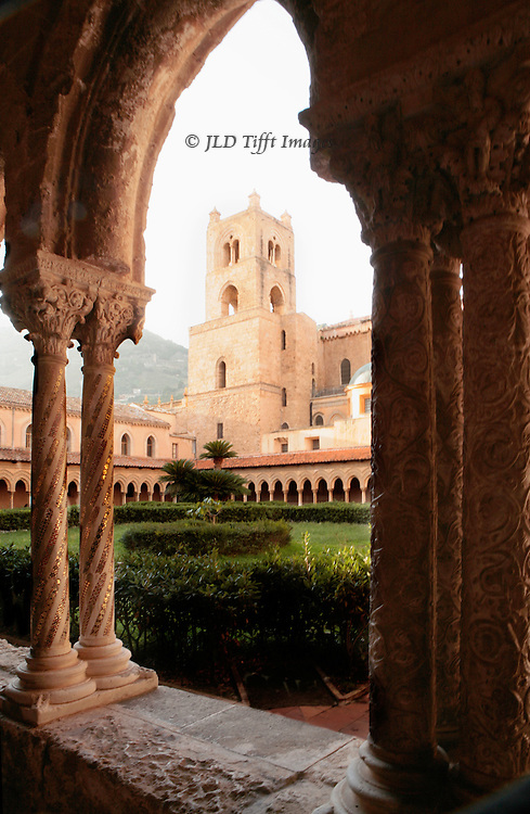 Sicily, Monreale Cathedral : cloister