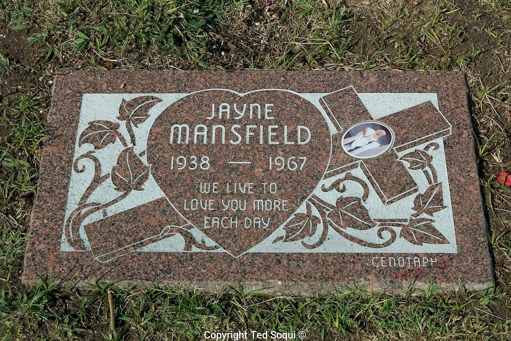 Jayne Mansfield 1933-1967..This is a cenotaph that was dedicated by Jayne Mansfield's fan club. She is actually buried in Fairview Cemetery, Plainsville, PA..Hollywood Forever Cemetery, Hollywood, CA USA.5/21/04.