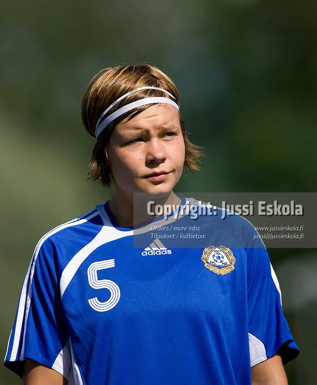 Tiina Salmen. U23 Suomi - Saksa, Lapua 23.7.2007. Photo: Jussi Eskola