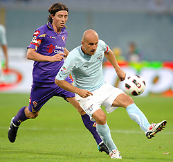 18.09.2010, Stadio Artemio Franchi, Florenz, ITA, Serie A, AC Florenz vs Lazio Rom, im BildTommaso ROCCHI Lazio, Riccardo MONTOLIVO Fiorentina.EXPA Pictures © 2010, PhotoCredit: EXPA/ InsideFoto/ Andrea Staccioli +++++ ATTENTION - FOR USE IN AUSTRIA / AUT AND SLOVENIA / SLO ONLY +++++... / SPORTIDA PHOTO AGENCY