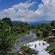 El Salvador, Central America. Photo by: Tito Herrera / www.titoherrera.com