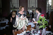 Grayson Perry and Simon Amstell, ICA 60: PECHA KUCHA. Fundraiser for the Institute of Contemporary Arts. Florence Hall, RIBA, 66 Portland Place, London. 17 May 2007. -DO NOT ARCHIVE-© Copyright Photograph by Dafydd Jones. 248 Clapham Rd. London SW9 0PZ. Tel 0207 820 0771. www.dafjones.com.