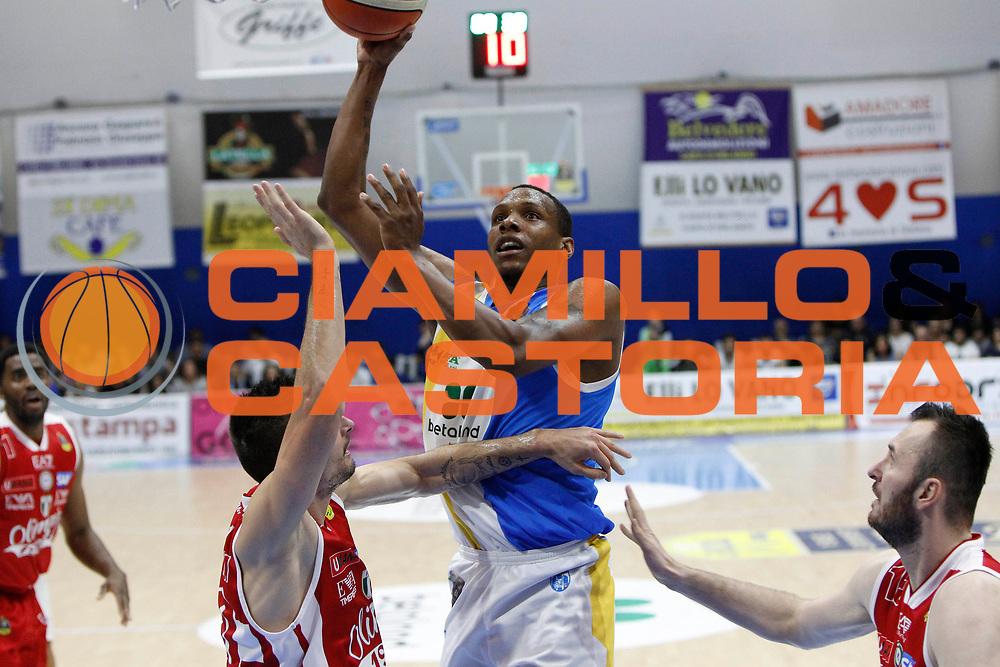 Archie Dominique<br /> Betaland Capo D'Orlando - EA7 Emporio Armani Milano<br /> Lega Basket Serie A 2016/2017<br /> Playoff Gara 4<br /> Capo d'Orlando 18/05/2017<br /> Foto Ciamillo-Castoria