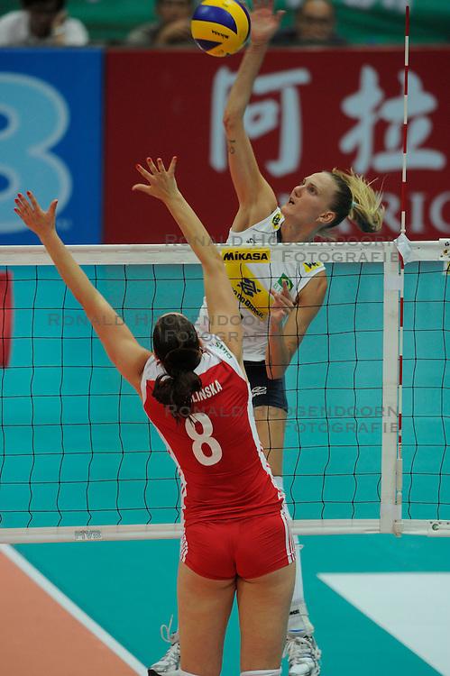 26-08-2010 VOLLEYBAL: WGP FINAL POLAND - BRAZIL: BEILUN NINGBO<br /> Brazil beat Poland 3-1 / Marianne Steinbrecher<br /> &copy;2010-WWW.FOTOHOOGENDOORN.NL