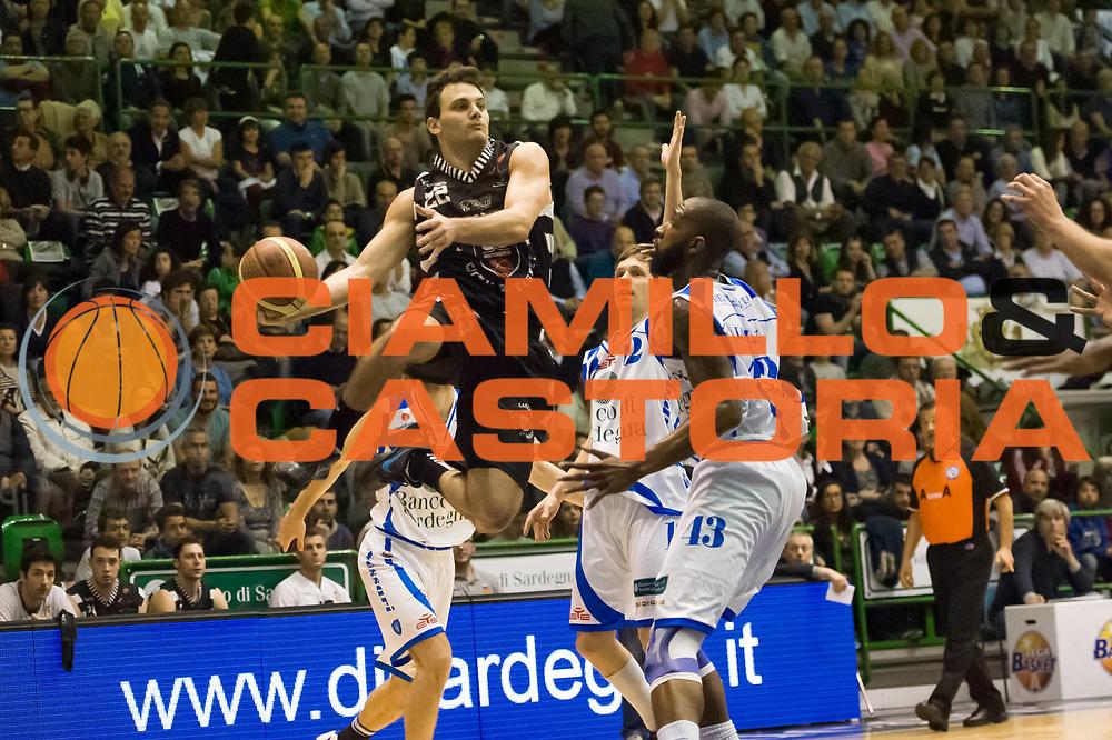 DESCRIZIONE : LegaBasket Serie A 2012-13 Banco di Sardegna Dinamo Sassari - Juve Caserta<br /> GIOCATORE : Stefano Gentile<br /> CATEGORIA : Penetrazione<br /> SQUADRA :  Juve Caserta<br /> EVENTO : Campionato Serie A<br /> GARA : Banco di Sardegna Dinamo Sassari - Juve Caserta<br /> DATA : 28/04/2013<br /> SPORT : Pallacanestro <br /> AUTORE : Agenzia Ciamillo-Castoria / Luigi Canu<br /> Galleria : Lega Basket A 2012-2013  <br /> Fotonotizia : LegaBasket Serie A 2012-13 Banco di Sardegna Dinamo Sassari - Juve Caserta<br /> Predefinita :