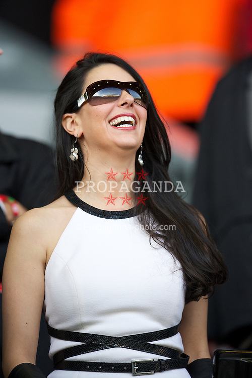 LIVERPOOL, ENGLAND - Saturday, November 5, 2011: Linda Pizzuti, the wife of Liverpool FC owner John Henry, during the Premiership match against Swansea City at Anfield. (Pic by David Rawcliffe/Propaganda)