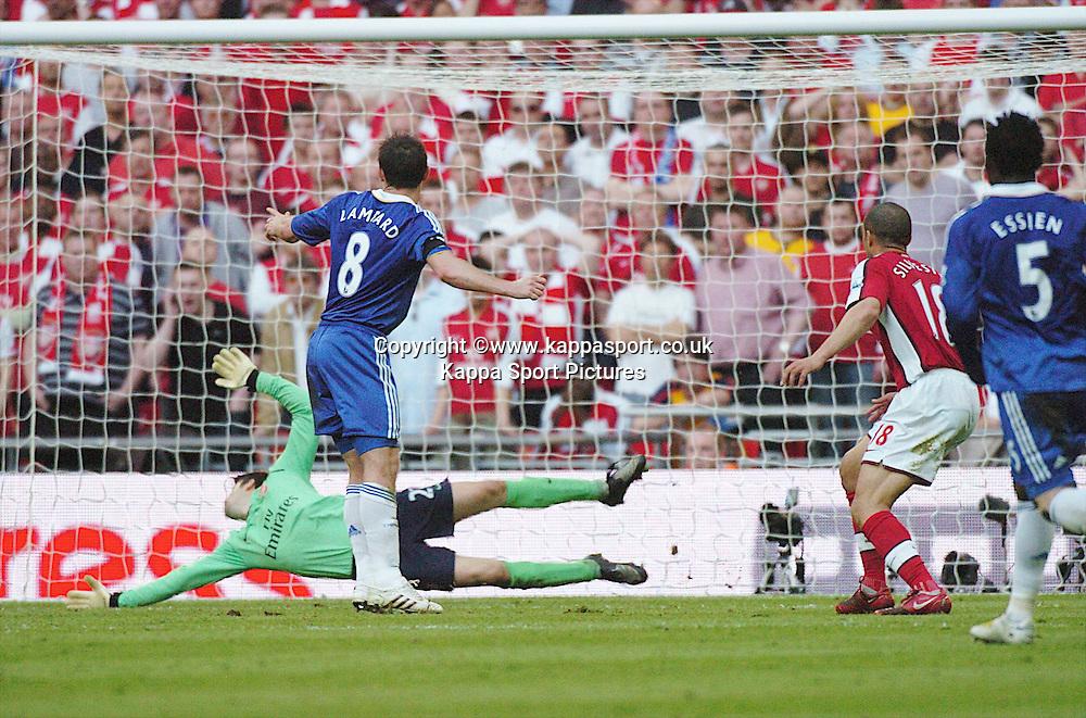 ARSENAL KEEPER LUKASZ FABIANSKI, SAVES CHELSEA FRANK LAMPARD SHOT ON GOAL, Arsenal v Chelsea, FA Cup Semi Final, Wembley Stadium, Saturday 18th April 2009