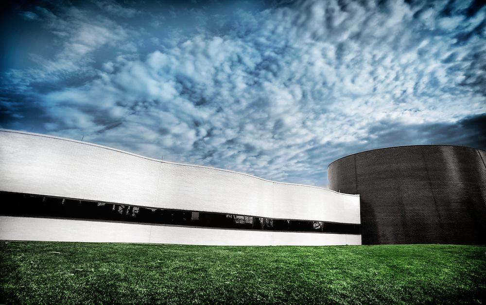 Owens Corning World Headquarters in Toledo, Ohio. Architects: Pelli Clarke Pelli