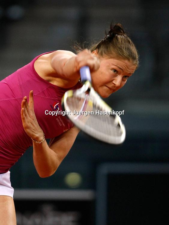 Porsche Tennis Grand Prix, WTA Tour, Damen Turnier in Stuttgart, Dinara Safina (RUS)..Foto: Juergen Hasenkopf..