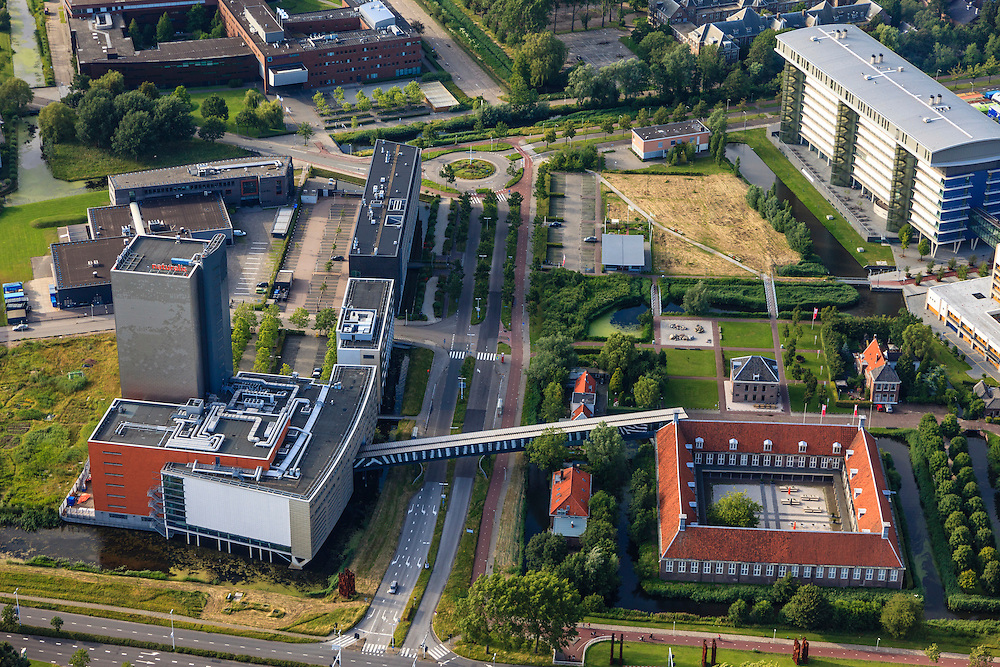 Nederland, Zuid-Holland, Leiden, 15-07-2012; Bio Science Park  met Museum Naturalis Biodiversity Center, het vierkante onderdeel is het Pesthuis. .Bio Science Park, museum Naturalis Biodiversity Center and the Pesthuis (Plague House, square building) luchtfoto (toeslag), aerial photo (additional fee required).foto/photo Siebe Swart