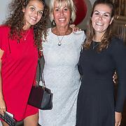 NLD/Amsterdam//20170823 - Premiere Drs. Down, Margriet Zegers en dochter Macey en Maxime