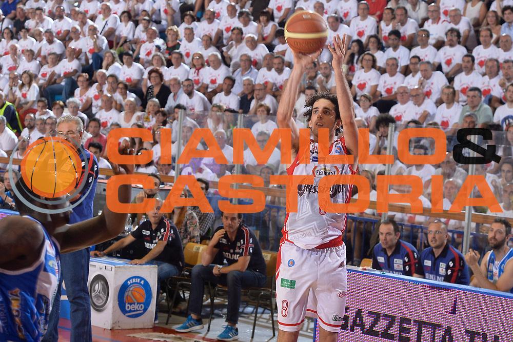 DESCRIZIONE : Reggio Emilia Lega A 2014-15 Grissin Bon Reggio Emilia - Banco di Sardegna Sassari playoff finale gara 2 <br /> GIOCATORE :Della Valle Amedeo<br /> CATEGORIA:Tiro<br /> SQUADRA : GrissinBon Reggio Emilia<br /> EVENTO : LegaBasket Serie A Beko 2014/2015<br /> GARA : Grissin Bon Reggio Emilia - Banco di Sardegna Sassari playoff finale gara 2<br /> DATA : 16/06/2015 <br /> SPORT : Pallacanestro <br /> AUTORE : Agenzia Ciamillo-Castoria / Richard Morgano<br /> Galleria : Lega Basket A 2014-2015 Fotonotizia : Reggio Emilia Lega A 2014-15 Grissin Bon Reggio Emilia - Banco di Sardegna Sassari playoff finale gara 2 Predefinita :