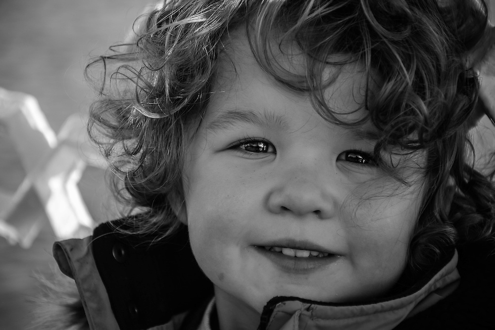 Portrait and Wedding Photographer based in North Wales covering Cheshire, Shropshire and Liverpool. Beautiful and Natural Family Portraits for all occasions