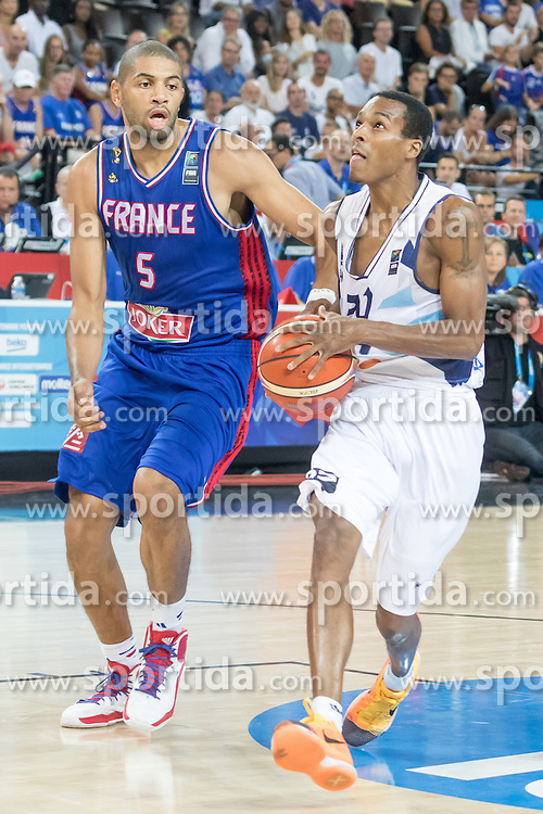06.09.2015, Park Suites Arena, Montpellier, FRA, Bosnien und Herzegowina vs Frankreich, Gruppe A, im Bild NICOLAS BATUM (5), ALEX RENFROE (20) // during the FIBA Eurobasket 2015, group A match between Bosnia an Herzegowina and France at the Park Suites Arena in Montpellier, France on 2015/09/06. EXPA Pictures &copy; 2015, PhotoCredit: EXPA/ Newspix/ Pawel Pietranik<br /> <br /> *****ATTENTION - for AUT, SLO, CRO, SRB, BIH, MAZ, TUR, SUI, SWE only*****