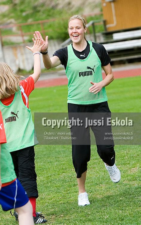 Laura Kalmari.&amp;#xA;Uudenmaan piirin FUN-leiri tytt&ouml;junioreille. Pajulahti 5.6.2006.&amp;#xA;Photo: Jussi Eskola<br />