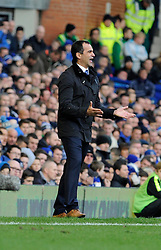 Everton Manager, Roberto Martinez - Photo mandatory by-line: Dougie Allward/JMP - Tel: Mobile: 07966 386802 23/11/2013 - SPORT - Football - Liverpool - Merseyside derby - Goodison Park - Everton v Liverpool - Barclays Premier League