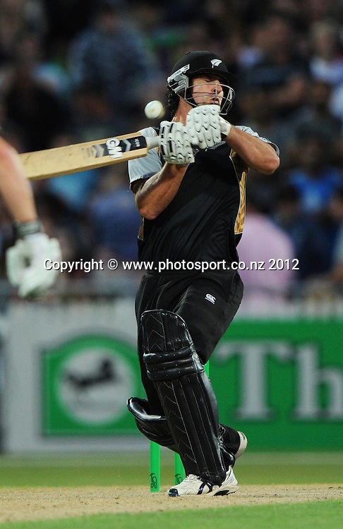 Colin de Grandhomme during the 2nd InternationaI Twenty20 cricket match between New Zealand Black Caps and South Africa at Seddon Park, Hamilton, New Zealand on Sunday 19 February 2012. Photo: Andrew Cornaga/Photosport.co.nz