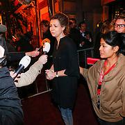 NLD/Amsterdam/20121203 - Jubileumgala 125 jaar theater Carre Amsterdam afgelast ivm overlijden van acteur Jeroen Willems, directrice geeft een verklaring