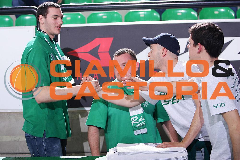 DESCRIZIONE : Treviso Eurolega 2005-06 Benetton Treviso Cibona Zagabria <br /> GIOCATORE : Crosariol Tifosi <br /> SQUADRA : Benetton Treviso <br /> EVENTO : Eurolega 2005-2006 <br /> GARA : Benetton Treviso Cibona Zagabria <br /> DATA : 22/03/2006 <br /> CATEGORIA : Ritratto <br /> SPORT : Pallacanestro <br /> AUTORE : Agenzia Ciamillo-Castoria/S.Silvestri