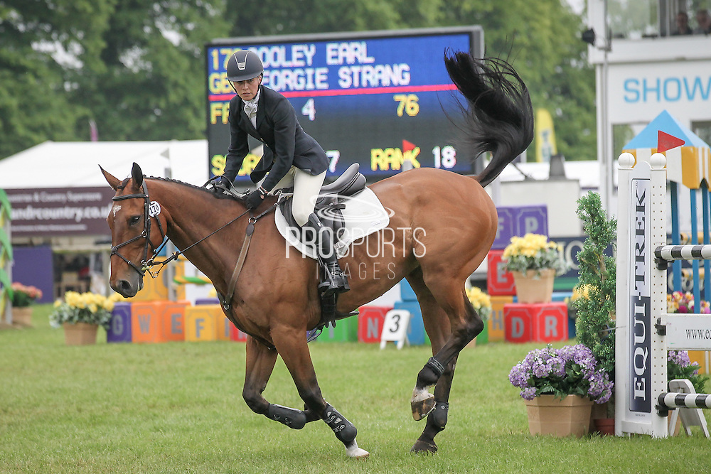 COOLEY EARL ridden by Georgie Strang at Bramham International Horse Trials 2016 at  at Bramham Park, Bramham, United Kingdom on 12 June 2016. Photo by Mark P Doherty.