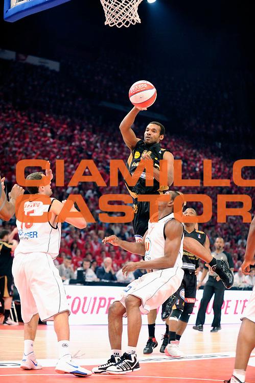 DESCRIZIONE : Championnat de France Basket Ligue Pro A Finale <br /> GIOCATORE : Deane Willie<br /> SQUADRA : Nancy<br /> EVENTO : Ligue Pro A  2010-2011<br /> GARA : Cholet Nancy<br /> DATA : 26/06/2011<br /> CATEGORIA : Basketbal France Ligue Pro A<br /> SPORT : Basketball<br /> AUTORE : JF Molliere par Agenzia Ciamillo-Castoria <br /> Galleria : France Basket 2010-2011 Action<br /> Fotonotizia : Championnat de France Basket Ligue Pro A Bercy<br /> Predefinita :
