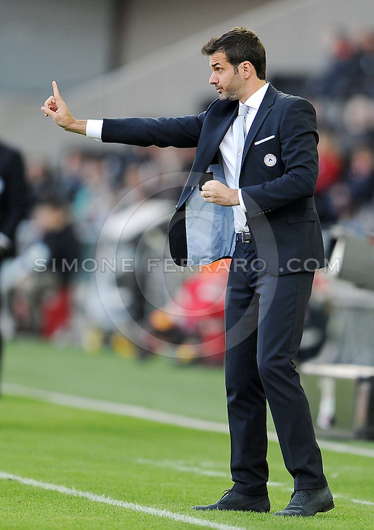 Udine, 26 ottobre 2014.<br /> Serie A 2014/2015 8^ giornata. <br /> Stadio Friuli.<br /> Udinese vs Atalanta<br /> Nella foto: l&rsquo;allenatore dell&rsquo;Udinese Andrea Stramaccioni.<br /> &copy; foto di Simone Ferraro