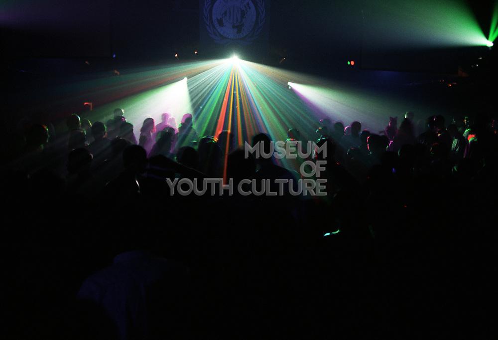 Dark rave with lasers, BACK TO 92 U.N