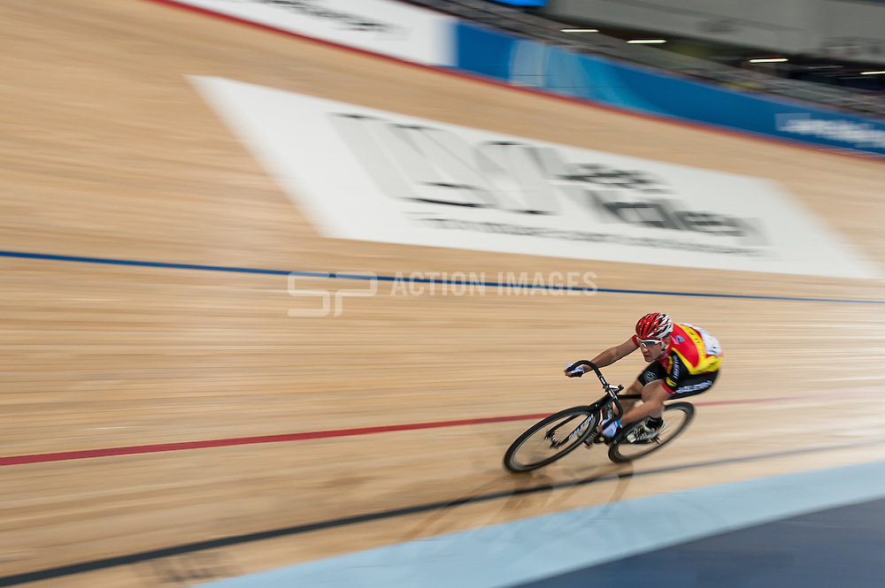 Good Friday Meeting, Lee Valley Velodrome, London, UK on 03 April 2015. Photo: Simon Parker