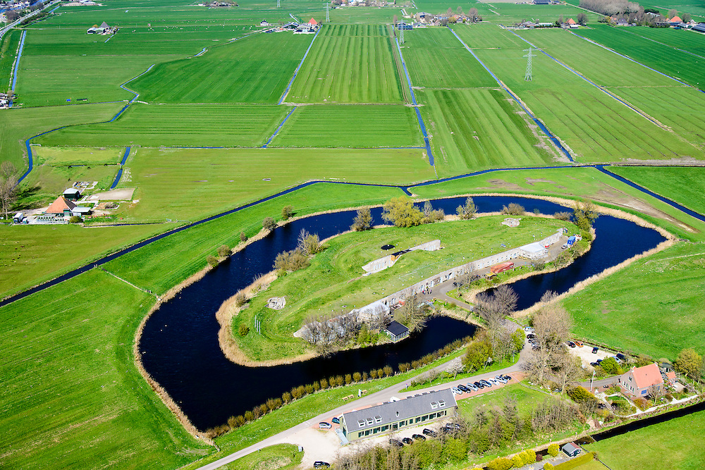 Nederland, Noord-Holland, gemeente Alkmaar, 20-04-2015; Fort bij Marken-Binnen, gelegen bij Markenbinnen ten noorden van West-Knollendam, in de polder Starnmeer. Onderdeel van de Stelling van Amsterdam.<br /> Fort bij Marken-Binnen, part of 19th century Defense line of Amsterdam.<br /> luchtfoto (toeslag op standard tarieven);<br /> aerial photo (additional fee required);<br /> copyright foto/photo Siebe Swart