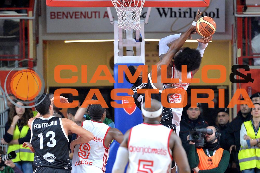 DESCRIZIONE : Varese Lega A 2014-15 Openjobmetis Varese vs Granarolo Bologna<br /> GIOCATORE : Gilichrist Augustus<br /> CATEGORIA : Stoppata<br /> SQUADRA : Granarolo Bologna<br /> EVENTO : Campionato Lega A 2014-2015 GARA : Openjobmetis Varese vs Granarolo Bologna<br /> DATA : 14/12/2014 <br /> SPORT : Pallacanestro <br /> AUTORE : Agenzia Ciamillo-Castoria/I.mancini<br /> Galleria : Lega Basket A 2014-2015 <br /> Fotonotizia : Openjobmetis Varese Lega A 2014-15 Openjobmetis Varese vs Granarolo Bologna<br /> Predefinita :